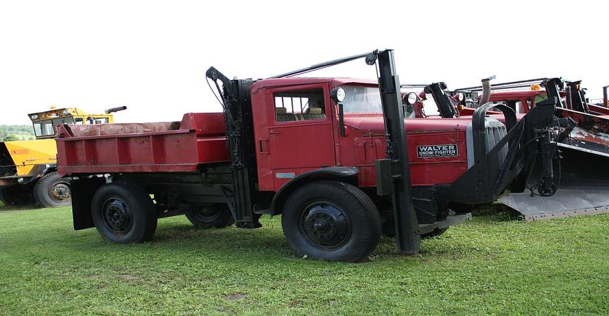 http://www.badgoat.net/Old Snow Plow Equipment/Trucks/Walter 100 Traction/Jery Johnson Collection/GW888H462-3.jpg