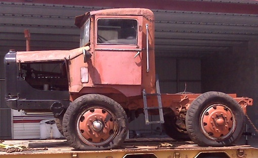 http://www.badgoat.net/Old Snow Plow Equipment/Trucks/Walter 100 Traction/Kemp Walter/GW510H313-1.jpg