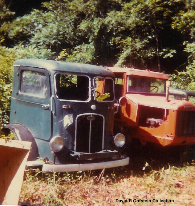 http://www.badgoat.net/Old Snow Plow Equipment/Trucks/Walter 100 Traction/Kemp Walter/GW633H670-2.jpg