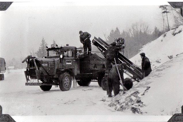 http://www.badgoat.net/Old Snow Plow Equipment/Trucks/Walter 100 Traction/Mass DPW Snowfighters/GW636H424-8.jpg