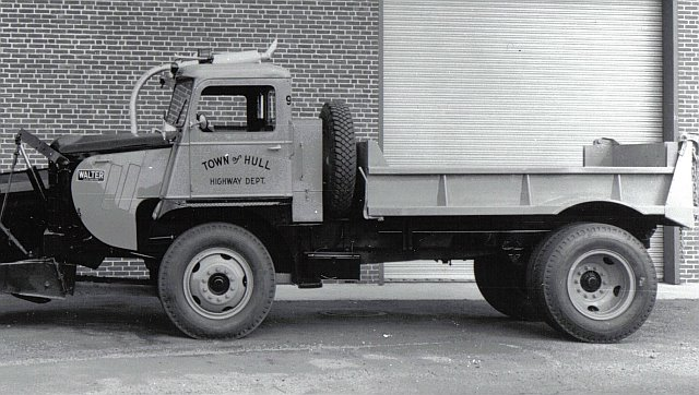 http://www.badgoat.net/Old Snow Plow Equipment/Trucks/Walter 100 Traction/Mass DPW Snowfighters/GW640H362-21.jpg