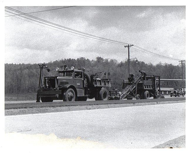 http://www.badgoat.net/Old Snow Plow Equipment/Trucks/Walter 100 Traction/Mass DPW Snowfighters/GW640H520-5.jpg