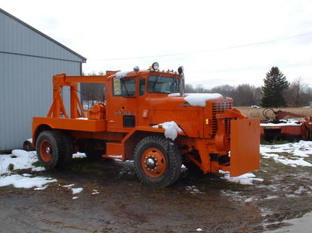 http://www.badgoat.net/Old Snow Plow Equipment/Trucks/Walter 100 Traction/Tom Albrecht's Collection/GW449H335-12.jpg