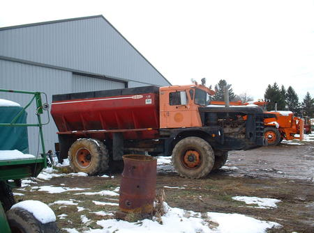 http://www.badgoat.net/Old Snow Plow Equipment/Trucks/Walter 100 Traction/Tom Albrecht's Collection/GW450H335-11.jpg