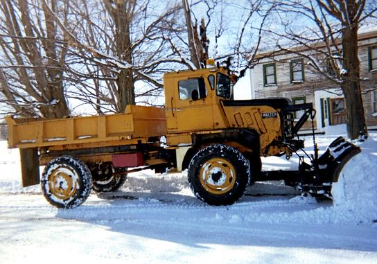 http://www.badgoat.net/Old Snow Plow Equipment/Trucks/Walter 100 Traction/Tom Albrecht's Collection/GW544H381-13.jpg