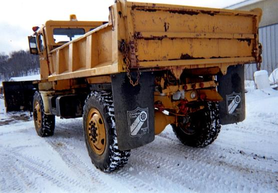 http://www.badgoat.net/Old Snow Plow Equipment/Trucks/Walter 100 Traction/Tom Albrecht's Collection/GW555H386-14.jpg