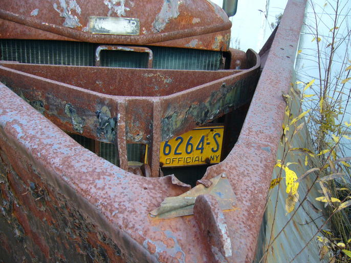 http://www.badgoat.net/Old Snow Plow Equipment/Trucks/Walter 100 Traction/Walter Snowfighters of Upstate New York/GW686H514-12.jpg